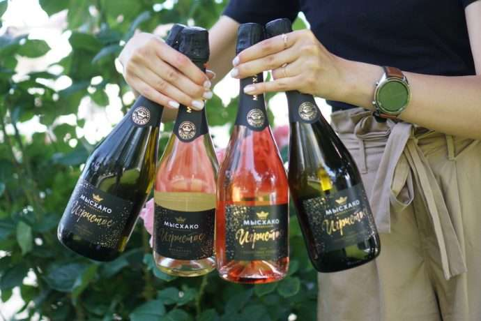 The Secrets of Sparkling Wines and Top Mouthwatering Pairings.Wine Russian House